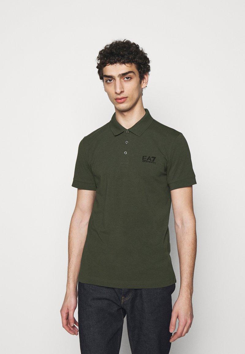 EA7 Emporio Armani - Poloshirts - dark green