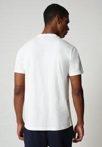 Napapijri - S-ICE SS - Print T-shirt - bright white - 1