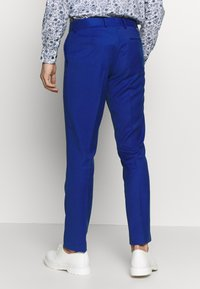 Isaac Dewhirst - POP SUIT - Garnitur - royal blue - 4