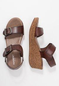 Pavement - CAMILLA - Sandály na platformě - brown - 1