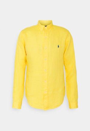 PIECE - Shirt - signal yellow