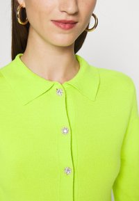 Who What Wear - COLLARED CARDIGAN - Cardigan - acid lime - 4