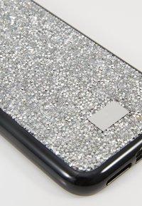 Swarovski - GLAM ROCK CASE - Etui na telefon - silver-coloured - 2