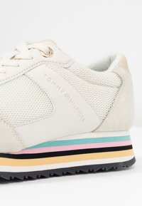 Tommy Hilfiger - STRIPE RETRO  - Sneaker low - white