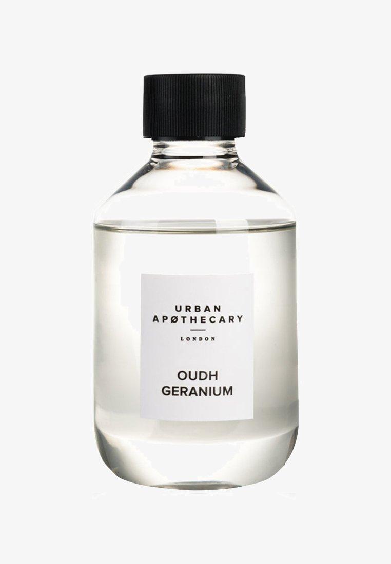 Urban Apothecary - DIFFUSER REFILL - Home fragrance - oudh geranium