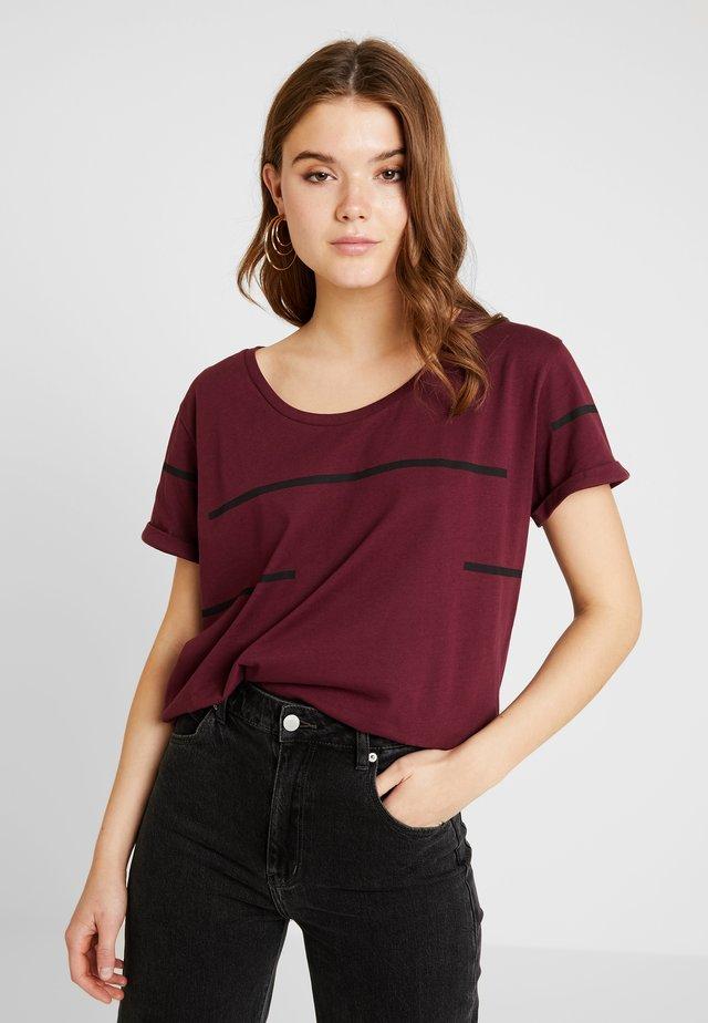 LUZIRA - Print T-shirt - port royale