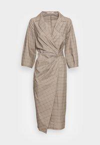 GITTA WRAP DRESS - Denní šaty - beige check