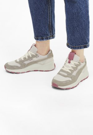 Sports shoes - marshmallow-rose wine