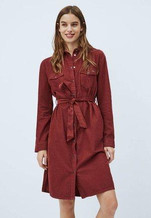 AMELIA - Denim dress - bordeaux