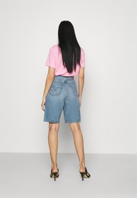 Levi's® - HIGH LOOSE - Shorts di jeans - whatever short - 2