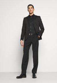 KARL LAGERFELD - JACKET STAGE - Suit jacket - black - 1