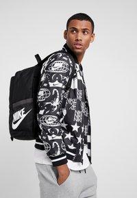 Nike Sportswear - Tagesrucksack - black - 1