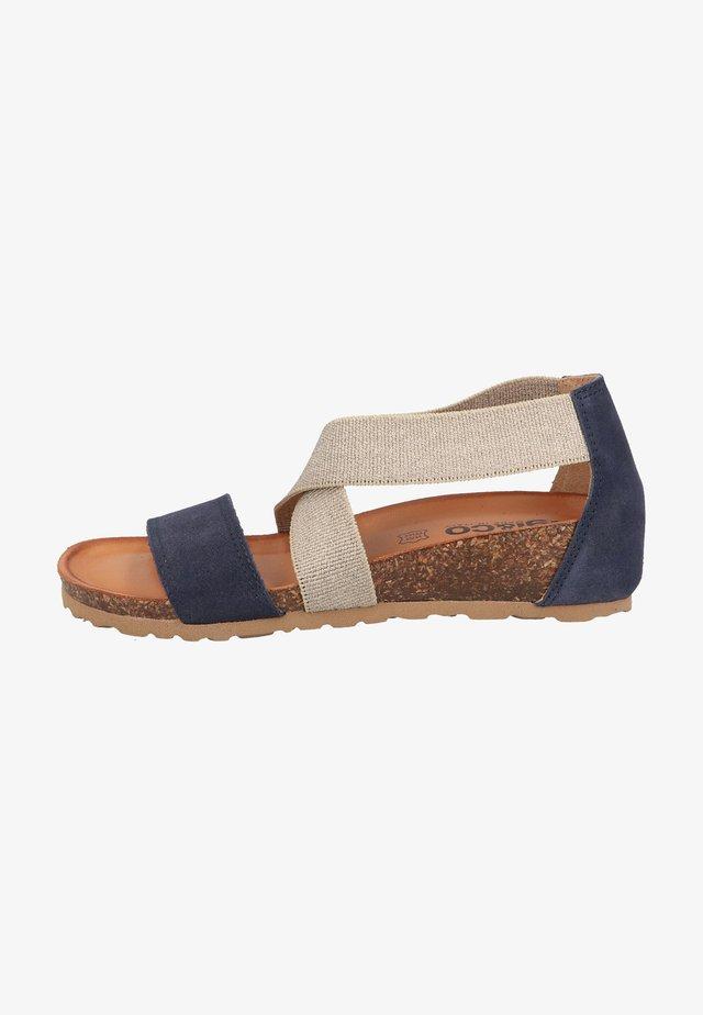 Sandały na koturnie - blu