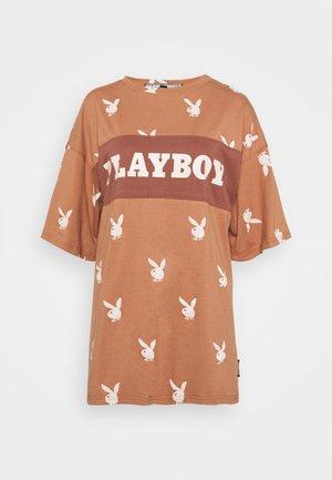 PLAYBOY - Print T-shirt - brown