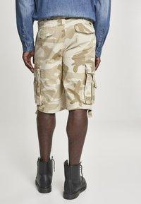 Brandit - VINTAGE  - Shorts - sand - 2