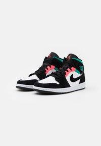 Jordan - AIR 1 MID SE - Höga sneakers - white/hot punch/black/neptune green/barely volt - 1