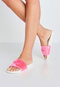Pepe Jeans - Pool shoes - fresa - 0