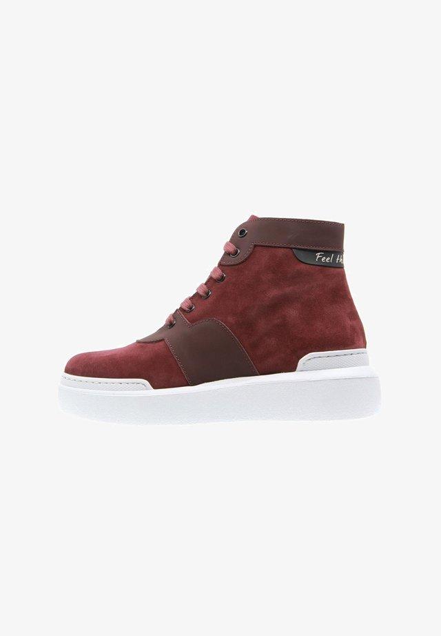 Sneakers alte - burdeos