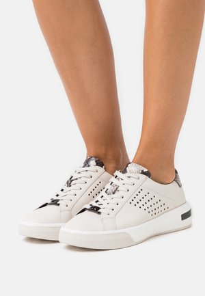 CODIE LACE UP - Trainers - cream