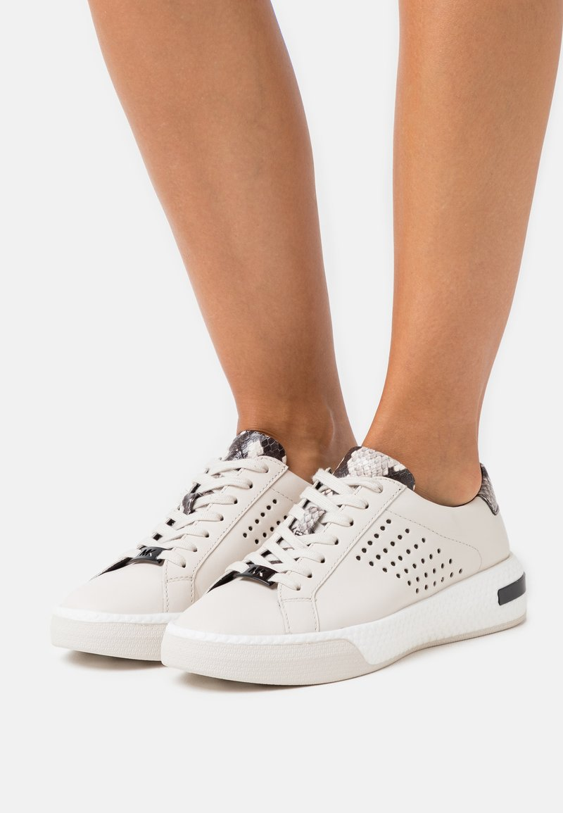 MICHAEL Michael Kors - CODIE LACE UP - Trainers - cream