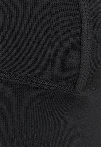 Who What Wear - OFF THE SHOULDER - Jersey de punto - black - 2