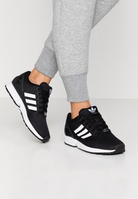 adidas Originals - ZX FLUX - Trainers - clear black/footwear white/clear pink - 0