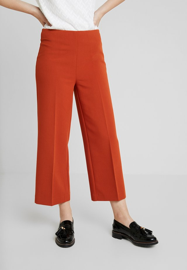 REYNOLD PANTS - Trousers - cinnamon stick