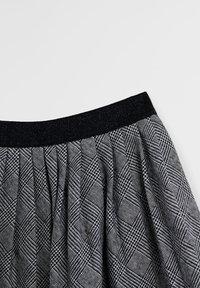 Mango - PLISADA - A-line skirt - czarny - 1