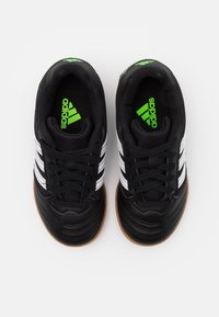 adidas Performance - SUPER SALA FOOTBALL SHOES INDOOR - Halówki - core black/footwear white/simple green - 3