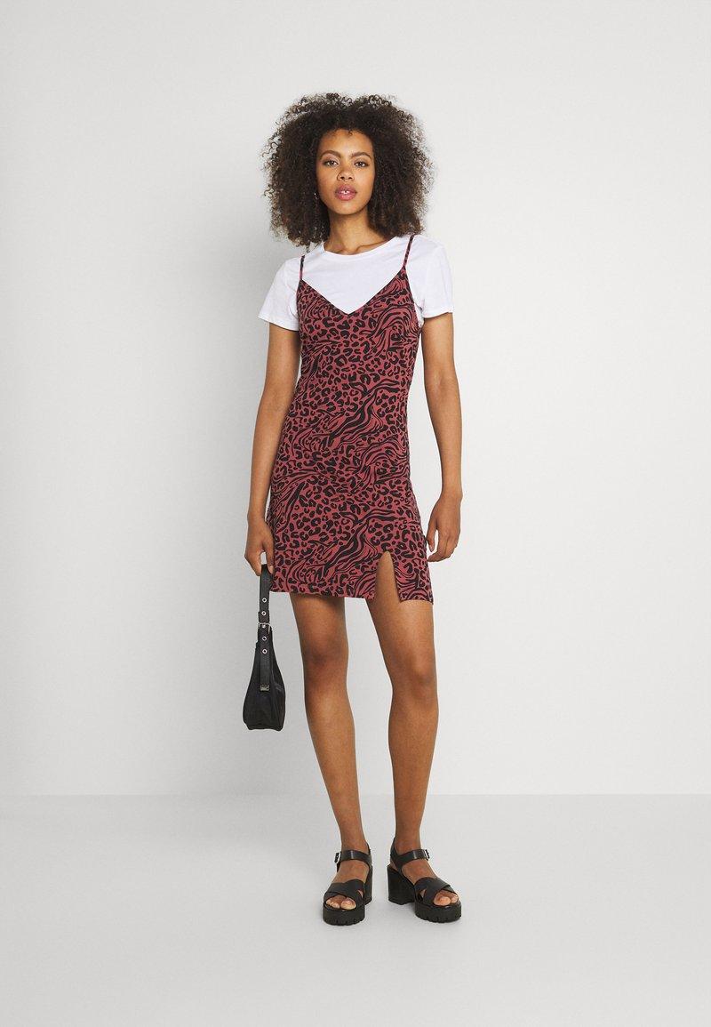 Even&Odd - 2 PACK - Sukienka z dżerseju - black/multi-coloured