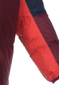 Nike Sportswear - SHIELD  - Down jacket - midnight navy / dark beetroot / black - 2