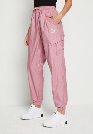 CLASSICS UTILITY PANTS - Teplákové kalhoty - foxglove