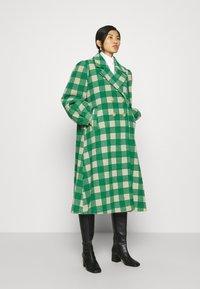 Résumé - ALINA COAT - Classic coat - sand - 0