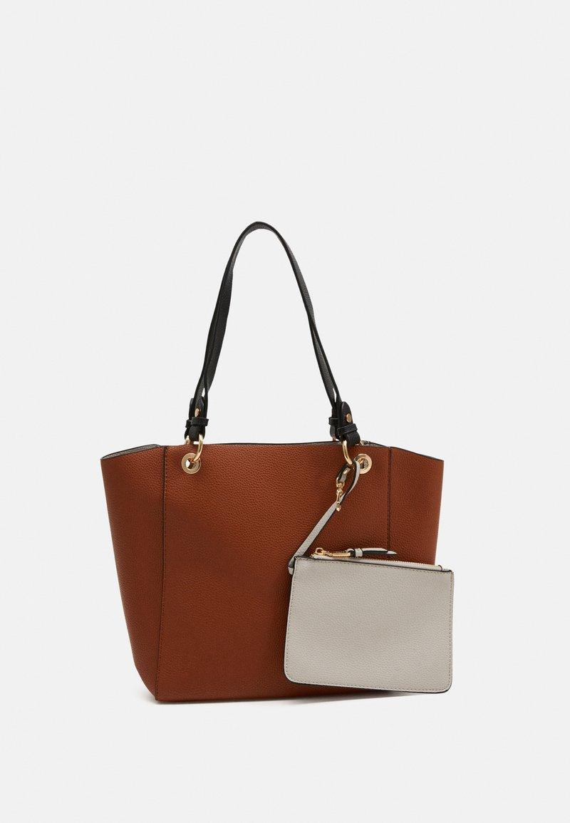 PARFOIS - VIOLET SET - Handbag - camel