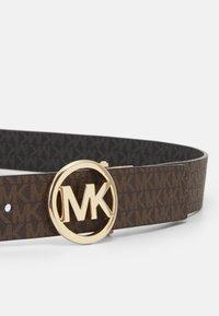 MICHAEL Michael Kors - LOGO REVERSIBLE BELT - Cinturón - brown/black/gold-coloured - 4