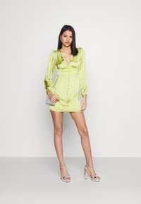 Glamorous - CARE BUTTON THROUGH MINI DRESSES WITH VOLUME LONG SLEEVES AND LO - Sukienka koktajlowa - olive green - 1