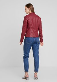 JDY - JDYDALLAS JACKET - Faux leather jacket - pomegranate - 2