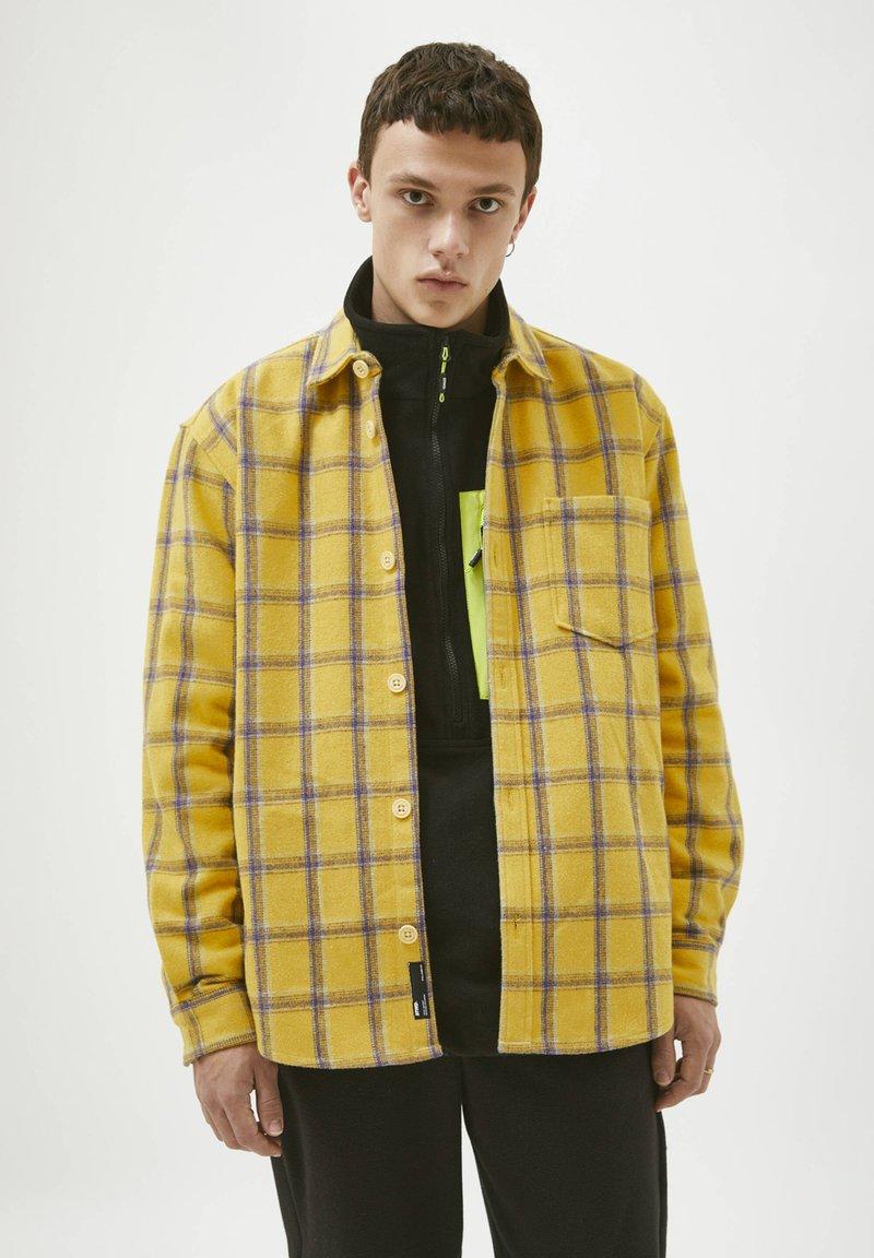 PULL&BEAR - Shirt - yellow