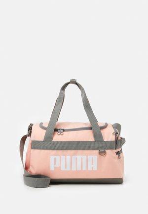 CHALLENGER DUFFEL BAG XS UNISEX - Sportovní taška - apricot blush
