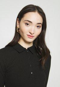 Gina Tricot - POPPY - Polo shirt - black - 4