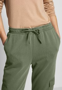 edc by Esprit - OTB PANT - Joggebukse - khaki green - 5
