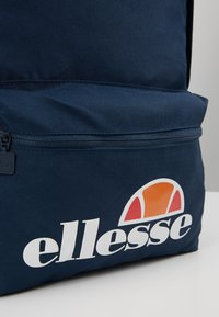 Ellesse - ROLBY PENCIL CASE - Batoh - navy - 8