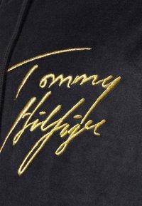 Tommy Hilfiger - HOLIDAY HOODIE - Pyžamový top - blue - 6