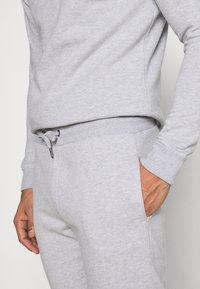 Burton Menswear London - REGULAR FIT 1/2 ZIP SET - Sweatshirt - grey melange - 6