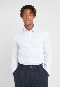 HUGO - ELISHA - Formální košile - light/pastel blue - 0