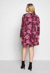 CAPSULE by Simply Be - LONG SLEEVE SWING - Jersey dress - berry - 2