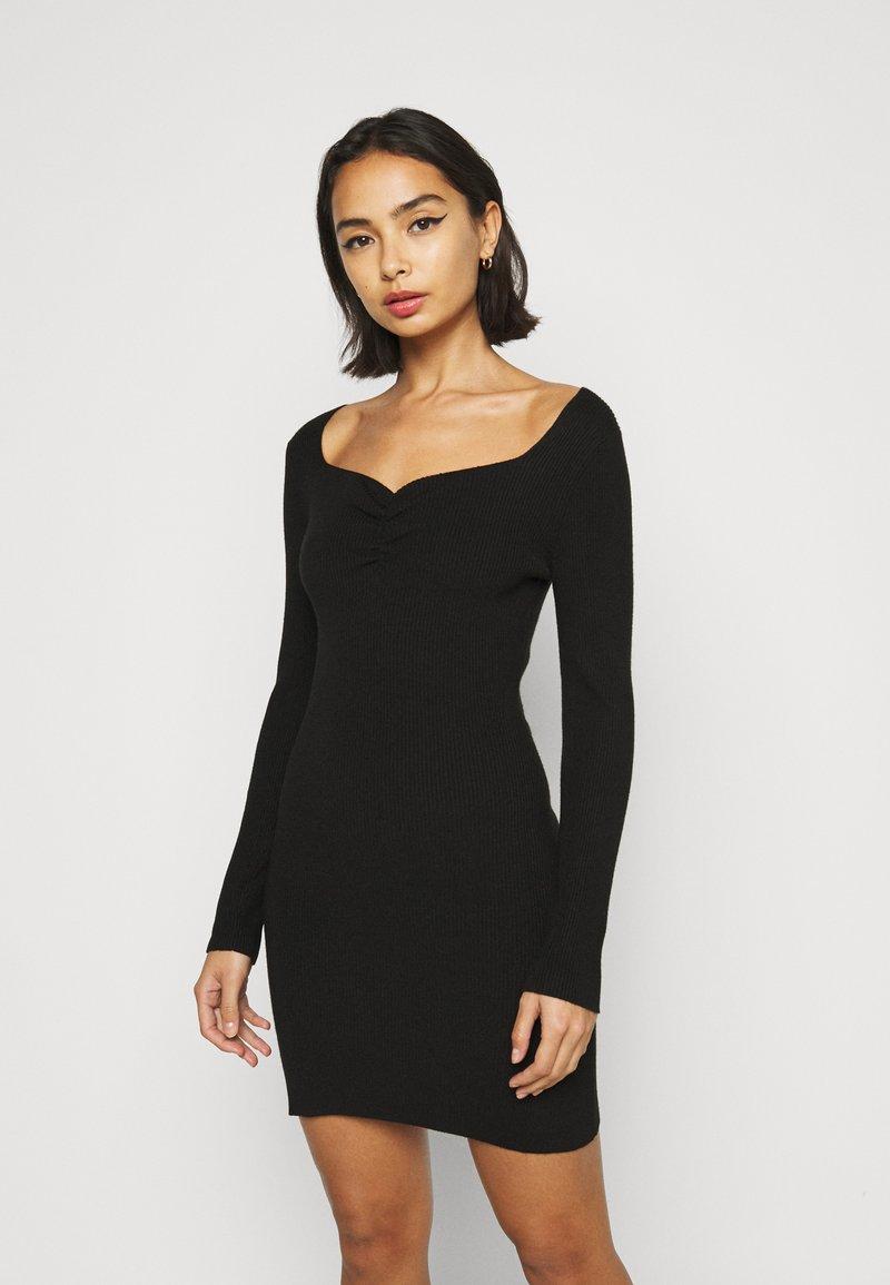 Fashion Union Petite - OBERLIN - Jumper dress - black