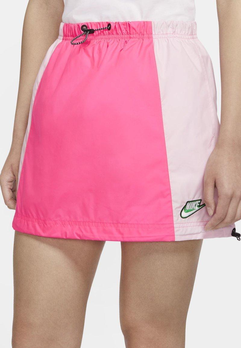 Nike Sportswear - Áčková sukně - hyper pink/pink foam