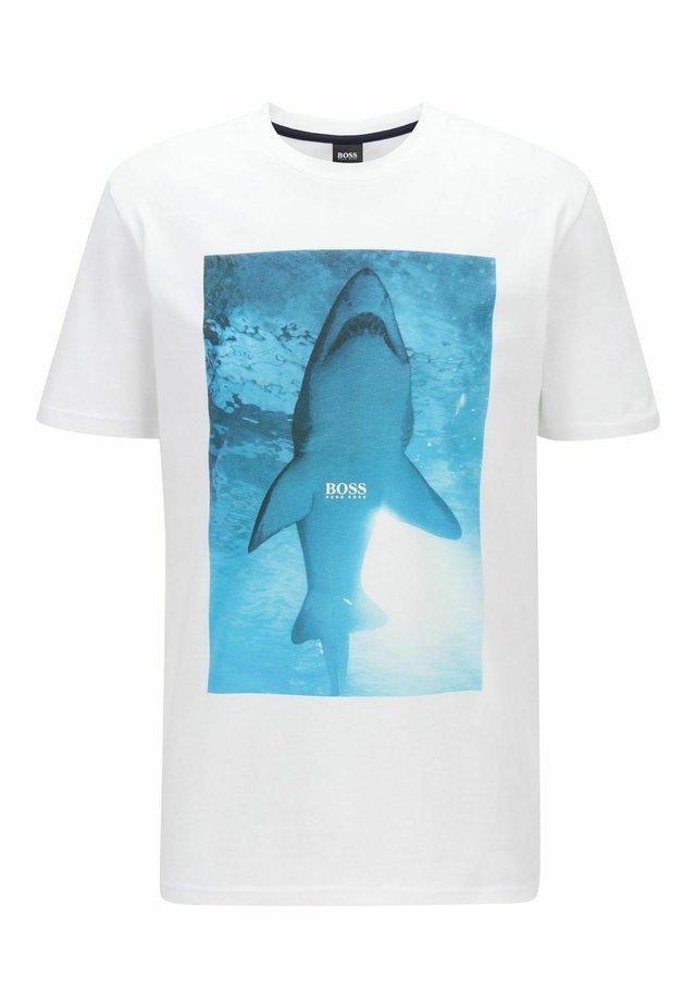 TNOAH 1 - T-shirt med print - natural