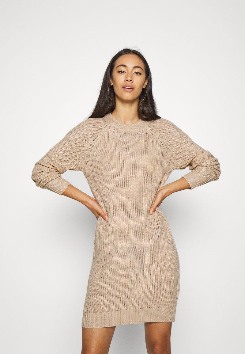 Even&Odd - Pletené šaty - tan